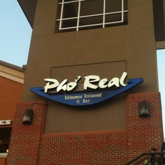 Photo taken at Pho Real Vietnamese Restaurant by Simply W. on 7/29/2012