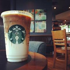 Photo taken at Starbucks (สตาร์บัคส์) by Mone P. on 5/16/2012