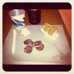 Photo taken at La Quinta Inn & Suites Atlanta Perimeter Medical by Kim V. on 11/15/2011