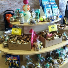 Photo taken at Pet$aver Super Store by Jennifer B. on 2/23/2012