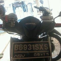 Photo taken at JEBRA ON ROAD (Senayan Area) by Vivi A. on 3/14/2012