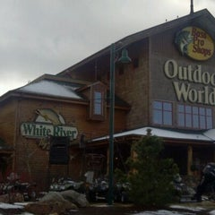 Photo taken at Bass Pro Shops by Martin B. on 3/5/2012