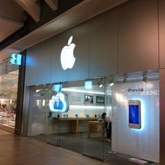 Photo taken at Apple Store, Carrefour Laval by Sullivan T. on 3/15/2012