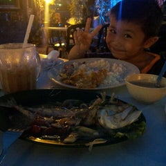 Photo taken at Raizann seafood putra perdana by Mizz Irma on 9/6/2012