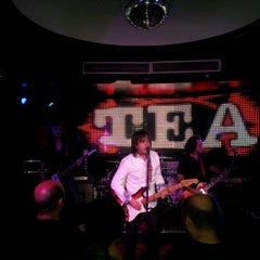 Photo taken at Boite Live by Alejandro H. on 11/11/2011