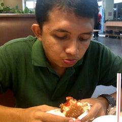Photo taken at Burger King by aiyu on 11/13/2011