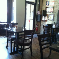 Photo taken at Kanela Breakfast Club by Carlos N. on 5/18/2012