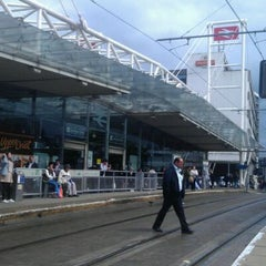 Photo taken at East Croydon Railway Station (ECR) by Les B. on 8/25/2011