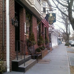 Photo taken at Bell's Tavern by Natta O. on 1/5/2012