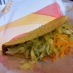 Photo taken at Taco Bell by Catherine G. on 4/10/2011