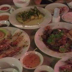 Photo taken at Thanh Niên Restaurant by Gary K. on 10/22/2011