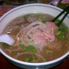Photo taken at Phở Vietnam by Nick T. on 3/18/2012