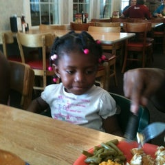 Photo taken at Golden Corral by Chris G. on 8/18/2012