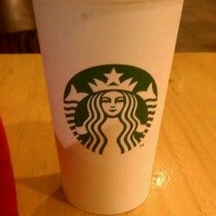 Photo taken at Starbucks by Daniel MeowMeow R. on 1/14/2012
