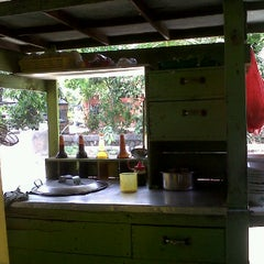 Photo taken at Bakmi petak 9 gading mas by Feby L. on 9/23/2011