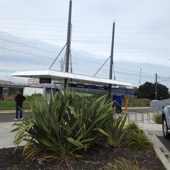 Photo taken at Onehunga Train Station by Darren D. on 8/18/2012