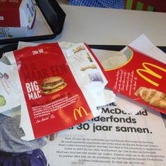 Photo taken at McDonald's by Jorn Jelmer W. on 6/20/2012