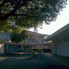 Photo taken at Foothill College - Middlefield Campus by kumi m. on 2/17/2012