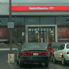 Photo taken at Bank of America by Chandra F. on 1/31/2012
