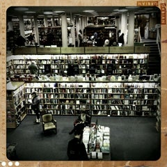 Photo taken at Blackwell's by Jeroen M. on 2/11/2012
