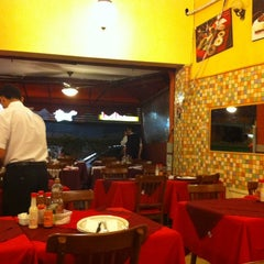 Photo taken at Restaurante Stambul by Marcelo A. on 5/4/2011