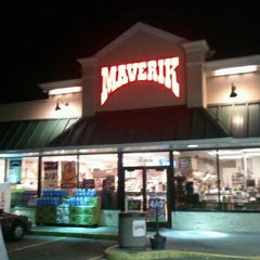 Photo taken at Maverik Adventures First Stop by Jacob Barlow on 2/4/2011