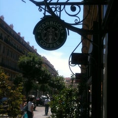 Photo taken at Starbucks by eZra b. on 5/31/2012