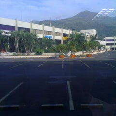Photo taken at Centro Empresa by Jh0n f. on 7/23/2011