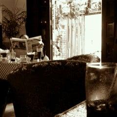 Photo taken at Cà phê Nấm by Ngựa H. on 11/17/2011