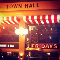 Photo taken at T.G.I. Friday's by Кристина Щ. on 7/22/2012