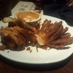 Photo taken at Outback Steakhouse by Jax M. on 8/31/2012