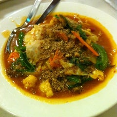 Photo taken at Umi's  Steak & Cafe by Hafiz N. on 2/22/2012