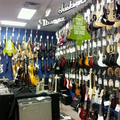 Photo taken at Guitar Center by Geoff F. on 11/20/2011