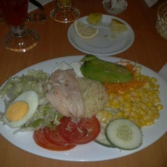 Photo taken at Fuente Alemana by Rodrigo™🎩 on 2/23/2012