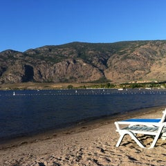 Photo taken at Coast Osoyoos Beach Hotel by Dr. A on 8/31/2012