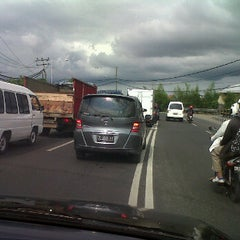 Photo taken at Jalan Mahendradata by Claudius H. on 12/28/2011