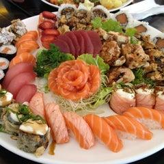 Photo taken at Sachô - Restaurante e Temakeria by Rogerio R. B. on 9/2/2012