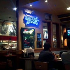 Photo taken at Red Robin Gourmet Burgers by Richard S. on 9/6/2012