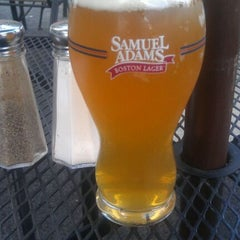 Photo taken at Smokehouse Tailgate - Grill by Justin Z. on 5/6/2012
