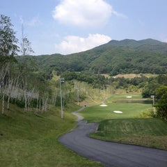 Photo taken at 아난티클럽 서울 by Woong B. on 6/6/2012