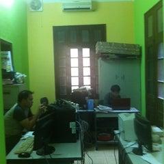 Photo taken at Báo An Ninh Thủ Đô by N.A.M on 4/12/2012