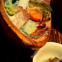 Photo taken at 鮮肴炭焼 炙 by Fumiko K. on 4/5/2012