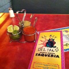 Photo taken at Taqueria El Rey Del Taco by Nikhil T. on 2/2/2011
