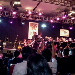 Photo taken at The AXIS Jakarta International Java Jazz Festival 2011 by trev p. on 3/5/2011