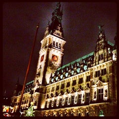 Photo taken at Hamburger Rathaus by Oliver B. on 12/5/2011