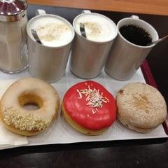 Photo taken at Dunkin Donuts by özlem C. on 8/30/2012