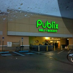 Photo taken at Publix by Biggie on 12/7/2011