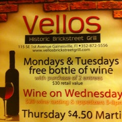 Photo taken at Vellos Historic Brickstreet Grill by Jesse L. on 11/23/2011
