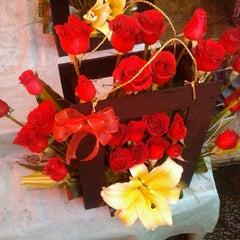 Photo taken at Mercado de Jamaiquita by Armando R. on 12/30/2011
