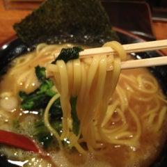 Photo taken at 濃厚豚骨醤油ラーメン 太龍軒 恵比寿本店 by Kazuya I. on 1/14/2012